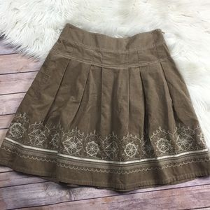 LOFT embroidered pleated skirt size 2